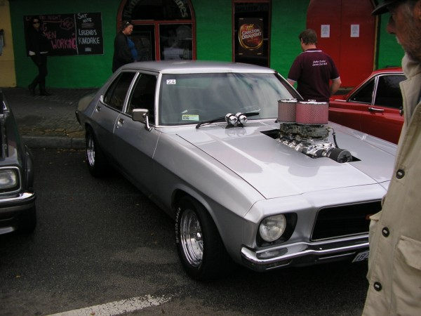 hq monaro blown front.jpg