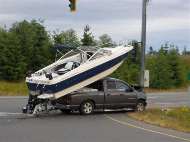 how_to_load_boat_on_truck_3_small_684.jpg